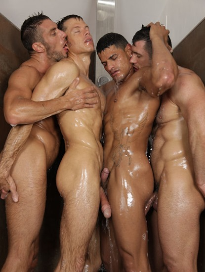 real-hunks-showring-together