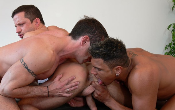slutty dude takes two cocks up his ass